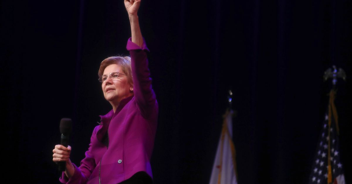 Elizabeth Warren takes on Amazon at Long Island City campaign event