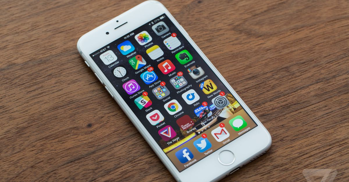 Hackers are reportedly cracking the iPhone using stolen Apple prototypes