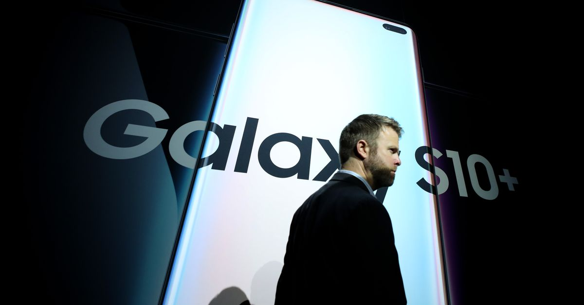 Samsung's US marketing chief abruptly leaves company after internal investigation
