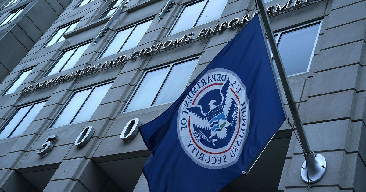 Thousands of ICE employees can access license plate reader data, emails show