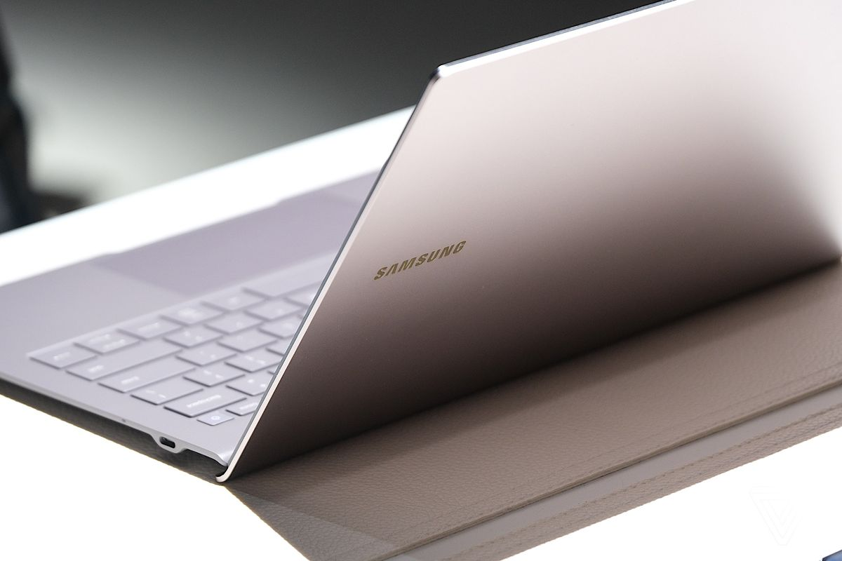 https://igetintopc.org/wp-content/uploads/2019/08/hands-on-with-the-galaxy-book-s-samsungs-laptop-and-smartphone-hybrid.com