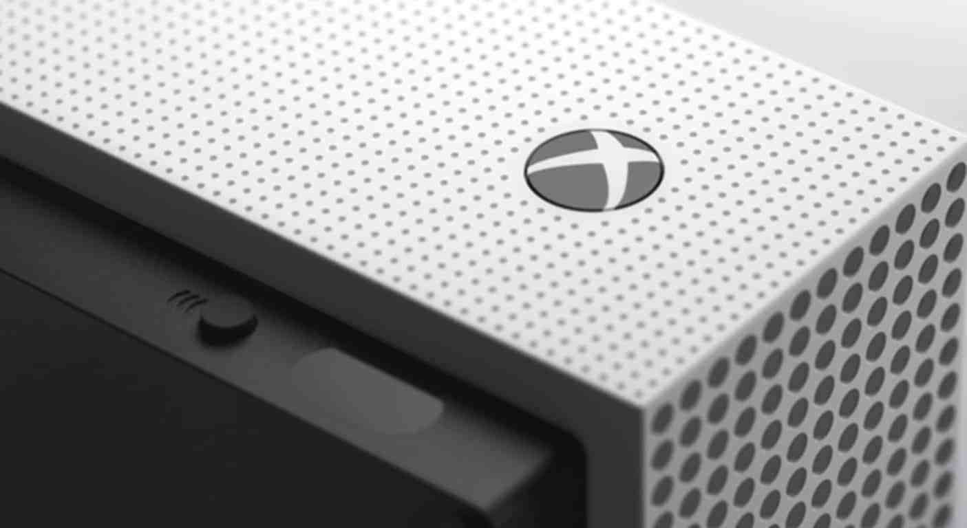 """Xbox head Phil Spencer says Microsoft isn't working on a """"streaming-only console"""""""