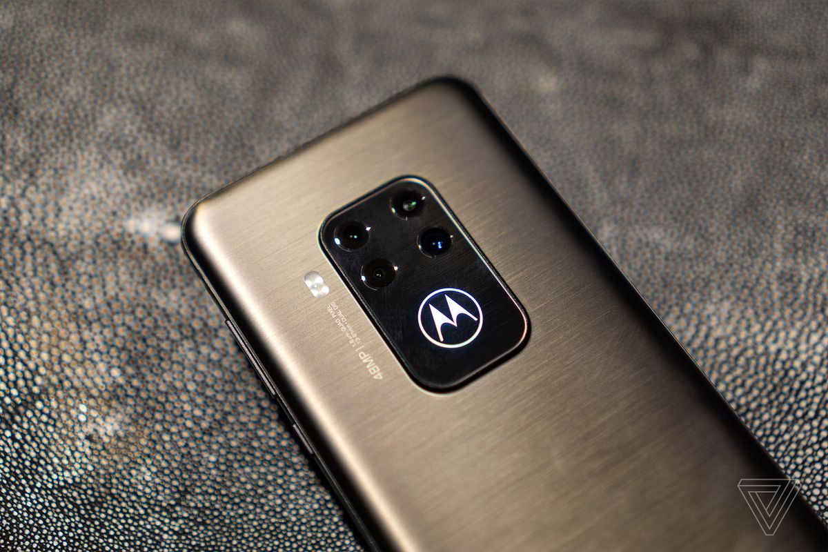 1567711051 673 the motorola one zoom offers four cameras at an affordable 450 price